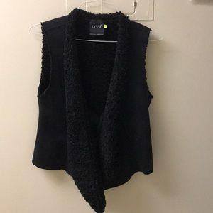 Lyssé S black sleeveless vest
